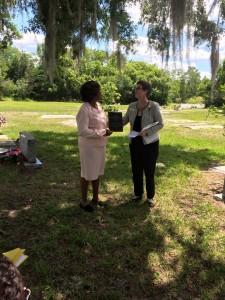 Lori giving Mrs. Jones the Appreciation Plaques at Mt. Peace Cemetery 2015